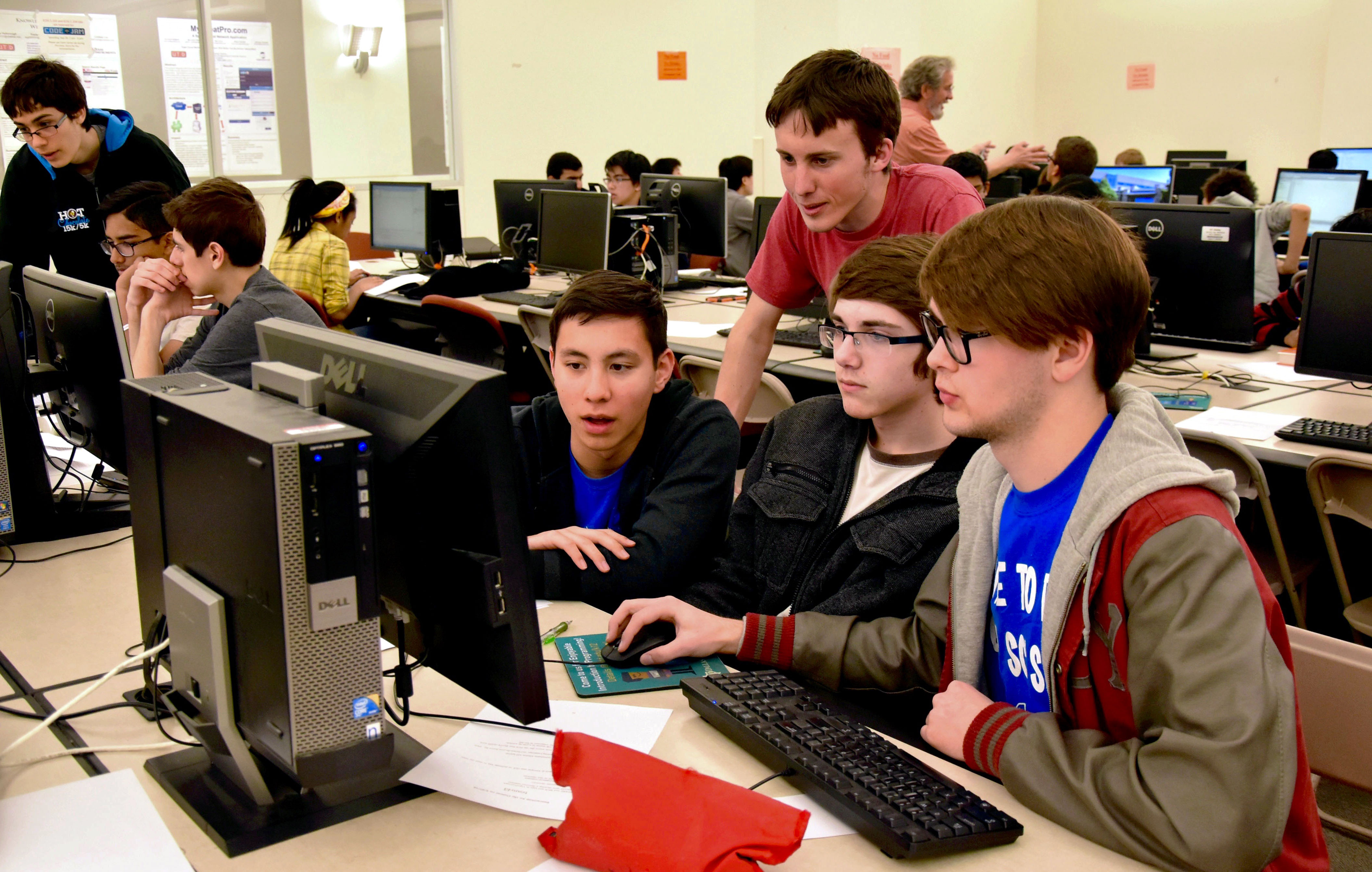 High School Students Code at the Spring Programming ...